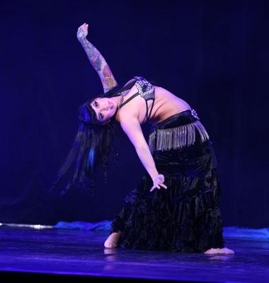 Little J - Danslärare på Layali