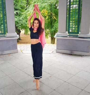 Lavina - Lärare i bollywood på Layali